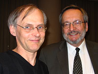 Yves Gingras et Camille Limoges, lors de la remise du Prix Gérard-Parizeau 2005 (source : CHSS)