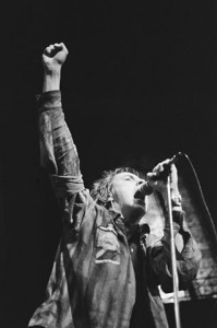 Johnny Rotten, au Paradiso, Amsterdam, janvier 1977 (Source : Wikimedia Commons)