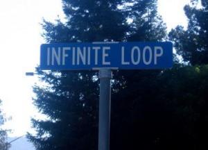 La rue de la marque à la pomme, à Cupertino en Californie (crédits : Alison Cassidy, via Wikimedia commons)