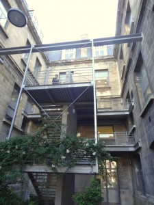 Points de restauration et de socialisation à proximité des salles (crédits : ASM)