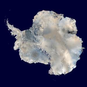 Carte de l'Antarctique établie à partir des données de la NASA (crédits : Dave Pape, via Wikimedia Commons)
