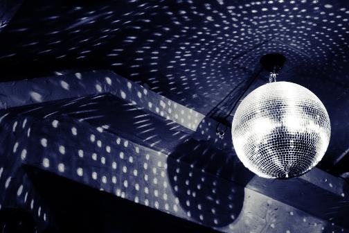 Boule à facette (crédits : Thomas Weidenhaupt, 2008, via Flickr)
