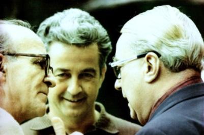 Gilbert Durand, avec Henry Corbin et Mircea Eliade (crédits : http://amisgilbertdurand.com/)