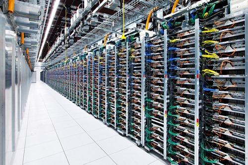 UN Google Data Center (crédits : http://hovercraftdoggy.com/)